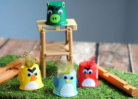 This Angry Birds craft is super cute and easy for kids!