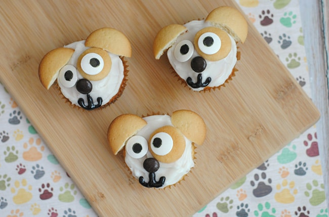 Your kids will love these Secret Life of Pet's Max Cupcakes!