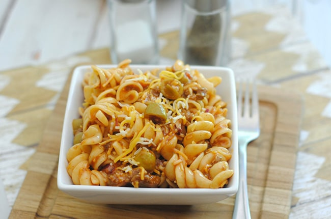 Light, tasty and perfect for warmer temperatures, this taco pasta salad is an easy go to dish for spring and summer!