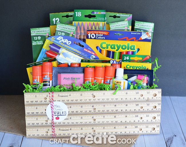 This back to school teacher gift is perfect to show your appreciation to all the hard work your teacher does!