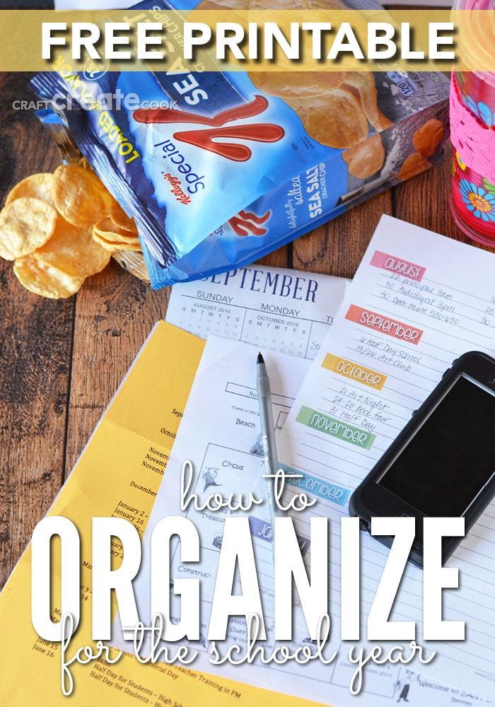 You CAN be organized this school year with our free printable! How to organize for the school year.