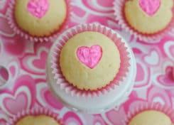 These Valentine Cupcakes are adorable and easy to make!