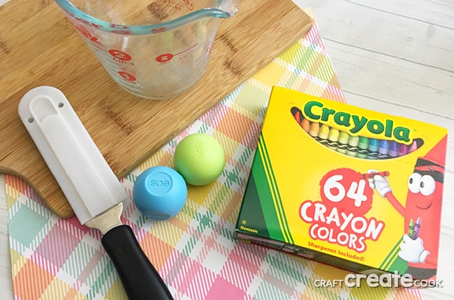 You're going to love our DIY Upcycled Crayons Craft for those broken crayons you just can't seem to throw away.