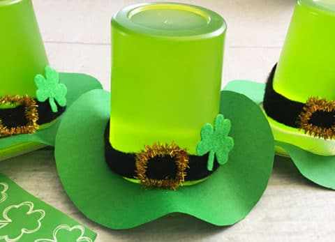 This St. Patrick's Day Treat Leprechaun Hat is the perfect luck of the Irish snack .