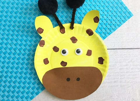 If you love April the Giraffe and her new little baby you'll love our April the Giraffe Inspired Paper Plate Craft.