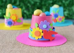 If you are looking for k-cup crafts to make we have tons of ideas, including these springtime bonnets!