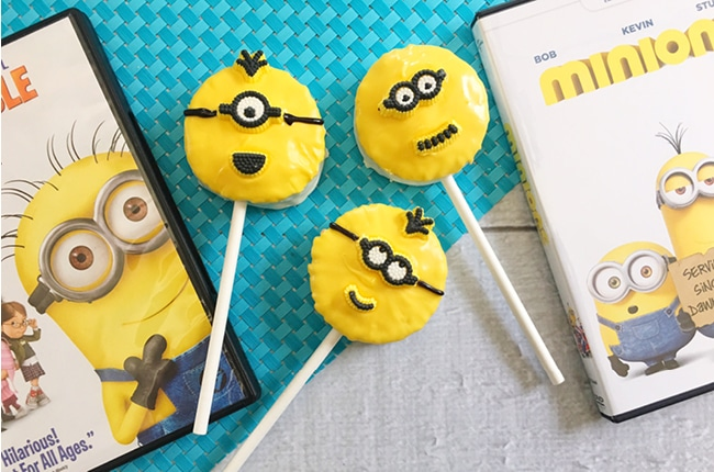 BA-NA-NA! Our Easy No Bake Minion Treats on a Stick are fun and sweet treats that the whole family will love.