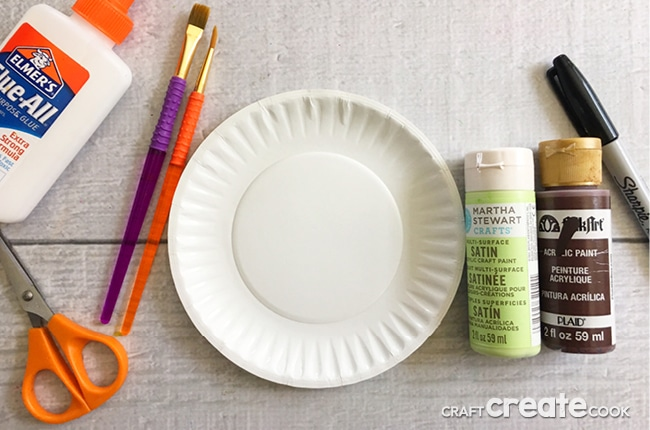 This pun-ny Mother's Day paper plate craft will have your mom in tears, the good kind of course.